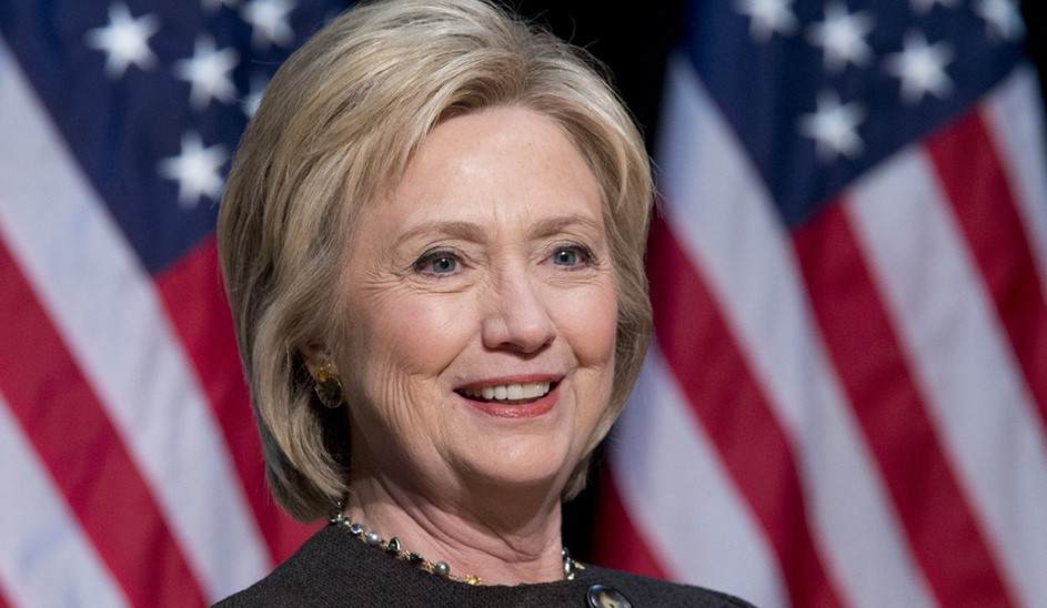 Hillary Clinton Robot Olabilir!